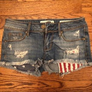EUC Bullhead Distressed Frayed Short Shorts